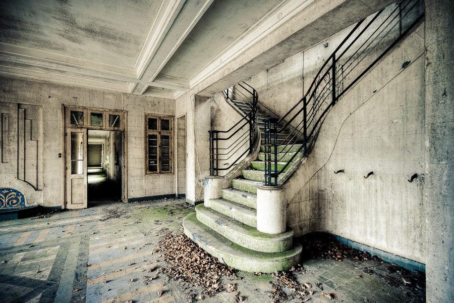 escalier de la maison de repos photographie de sylvain mary. Black Bedroom Furniture Sets. Home Design Ideas